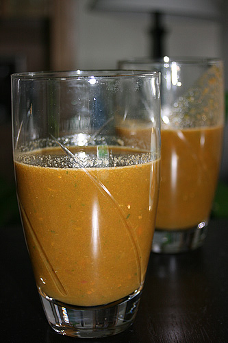 Vegetable Juice with Tomatoes, Carrots, Celery, Spinach, Cucumber and Peppers